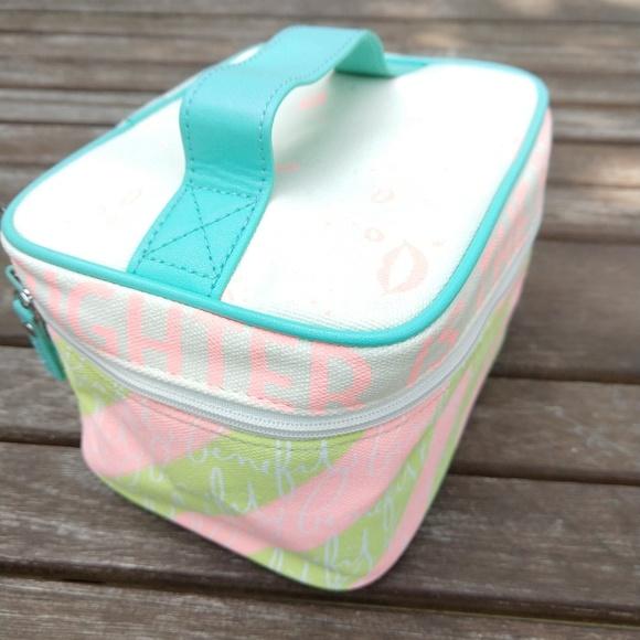 NWOT Benefit Traincase Makeup Cosmetics Case Bag